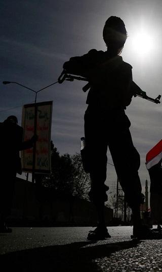 سيناتور أمريكي يتهم الكونغرس بتشجيع إيران على زعزعة الأمن والاستقرار باسم السلام في اليمن