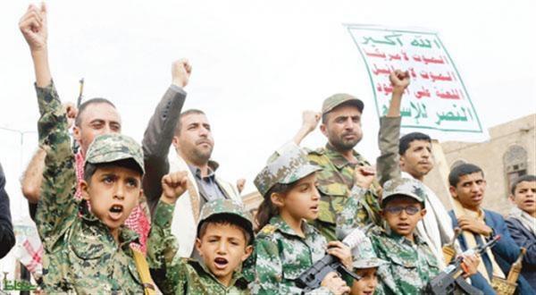 مليشيا الحوثي تواصل استقطاب صغار السن وتعيدهم الى اسرهم في توابيت