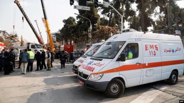"""سيارات إسعاف في طهران تقدم """"خدمات نقل"""" للأثرياء"""