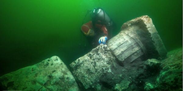 """""""شبيجل"""" تكشف الآثار المكتشفة حديثًا من مدينة مصرية قديمة غارقة"""