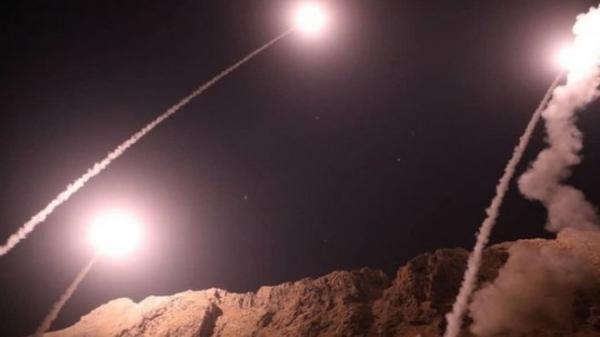 قتلى وجرحى بانفجارات استهدفت مقارا لملشيات عراقية في البوكمال السورية