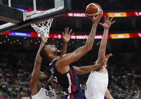 فرنسا تطيح بأمريكا من دور الثمانية لكأس العالم لكرة السلة