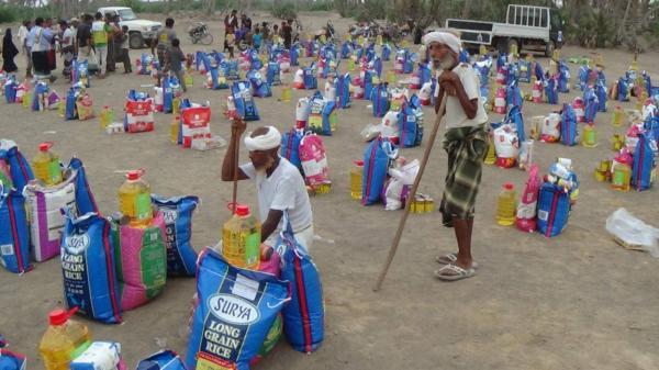 المقاومة الوطنية تدشن مشروع توزيع 2000 سلة غذائية على أهالي الساحل الغربي