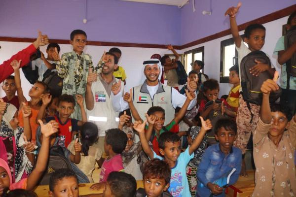فيديو- هلال الإمارات يدشن العام الدراسي في الساحل الغربي بافتتاح المدارس المؤهلة وتأثيثها وتوزيع الحقائب المدرسية
