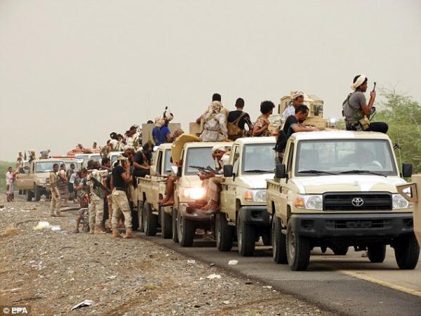 بدء عمليات عسكرية واسعة النطاق لتحرير الحديدة من عدة محاور