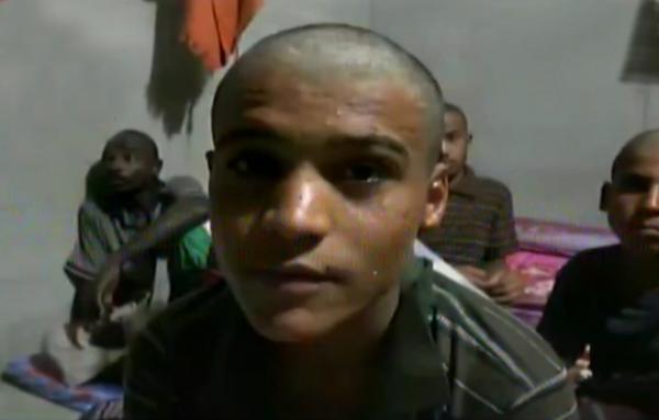 عناصر من مليشيا الحوثي تم أسرهم بكيلو 16 ينصحون زملاءهم (فيديو)