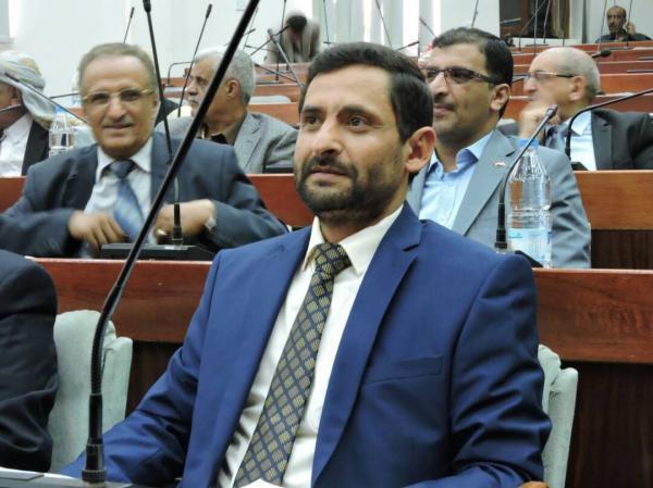 البرلماني بشر يحذر من ثورة شعبية ويؤكد: &#34الحكومة&#34 تستطيع دفع المرتبات.. وعدم صرفها خيانة للشعب والوطن