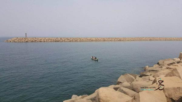 قوات التحالف تعترض وتدمر زورقاً مفخخاً أطلقه الحوثيون من الحديدة