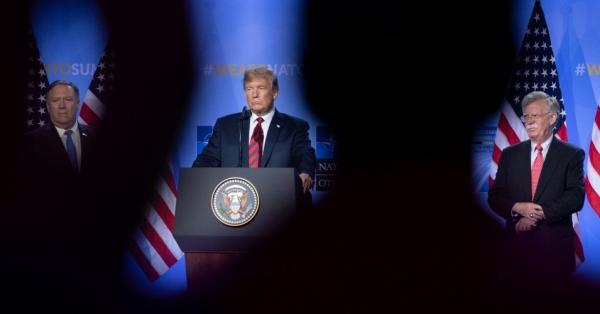 """جون بولتون يكشف عن خطة تجاهلها ترامب وأدت لاستهداف """"أرامكو"""""""