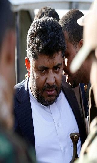 """محمد علي الحوثي يوجّه إهانة لـ""""بن حبتور"""""""