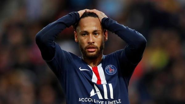 الإصابة تحرم نجم باريس سان جرمان نيمار من اللعب لأربعة أسابيع