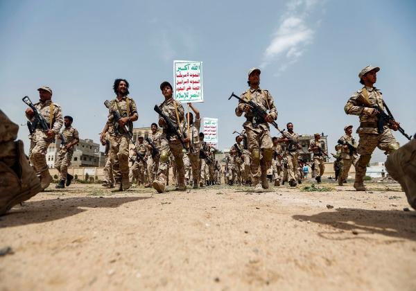 """""""معهد دولي"""" يكشف تفاصيل التمويل والتسليح والتدريب الإيراني لمليشيات الحوثي"""