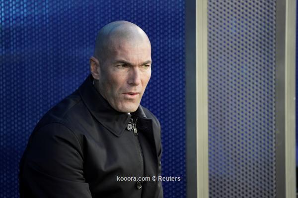 صحيفة إسبانية: صدام وشيك بين زيدان وإدارة ريال مدريد