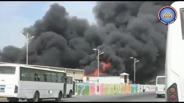 مليشيا الحوثي تجدد قصف مجمع إخوان ثابت الصناعي ومنازل مواطنين في الحديدة