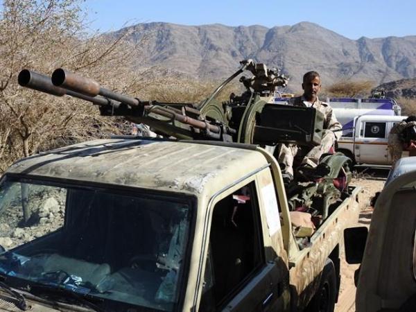 القوات الحكومية تحبط تسللاً في البيضاء وتقتل حوثياً