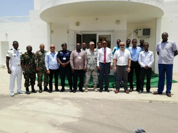 الزحزوح ممثلاً عن اليمن.. اختتام دورة دولية للأمن البحري في جيبوتي