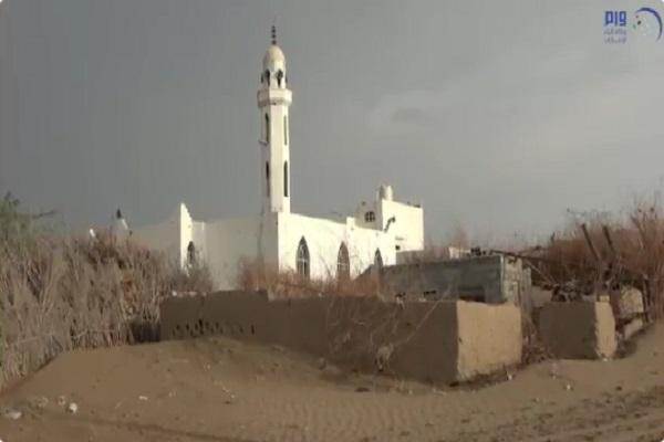 الحوثيون يطردون سكان قرية في دريهمي الحديدة ويحولون مسجدها لثكنة عسكرية