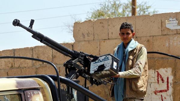 مليشيا الحوثي تعتقل عدداً من نازحي الحديدة بصنعاء