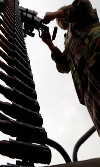 وثيقة- مليشيا الحوثي تحيل 50 ألف موظف مدني وعسكري للتقاعد