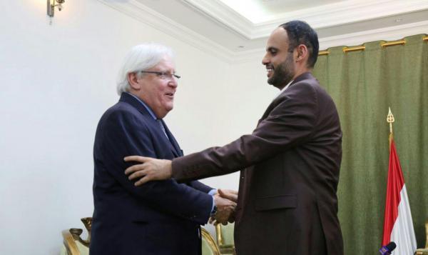مسؤول أممي: غريفيث يريد الإبقاء على الحوثيين في طاولة الحوار مهما ارتكبوا من جرائم